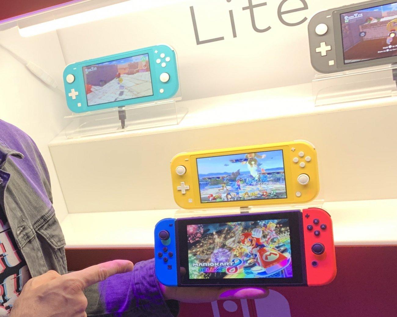 Nintendo Switch Lite Vs Normal