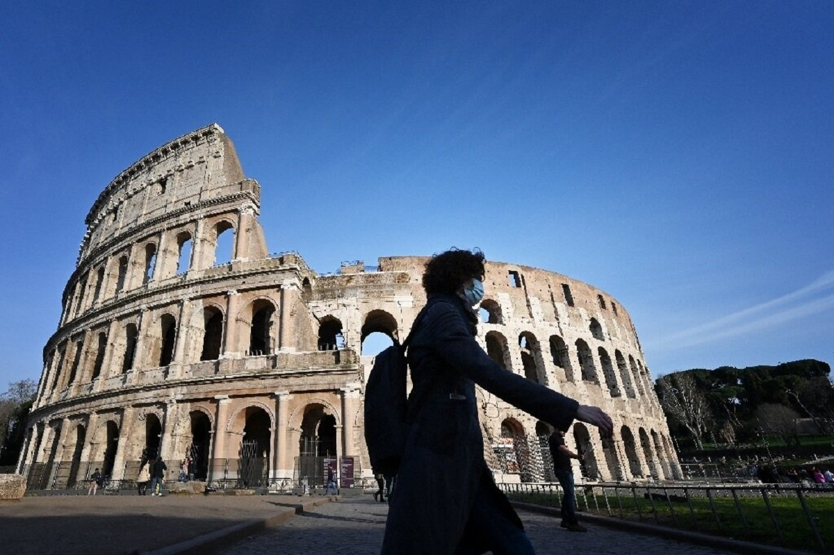 Image of article 'Italy will 'knowingly face risk' and reopen for tourists in early June'
