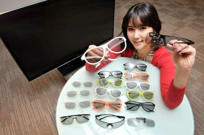lg_unveils_stylish_new_3d_glasses_for_2012