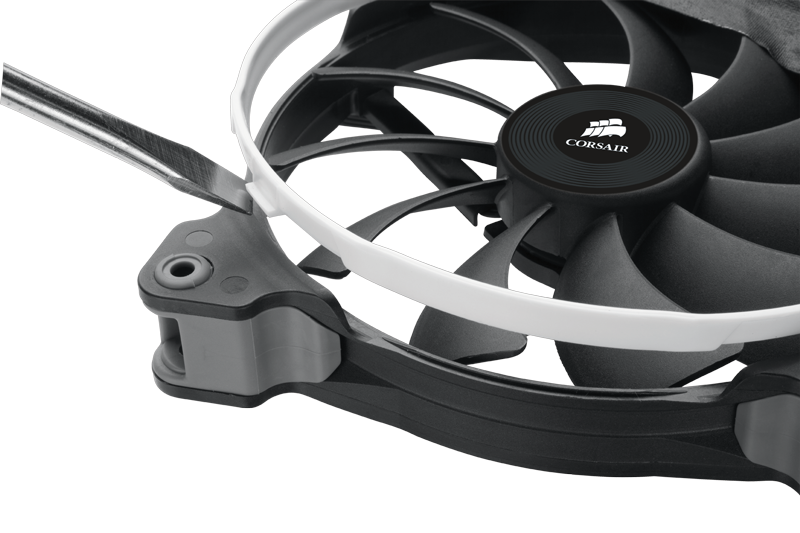 corsair_adds_cooling_fans_to_product_line