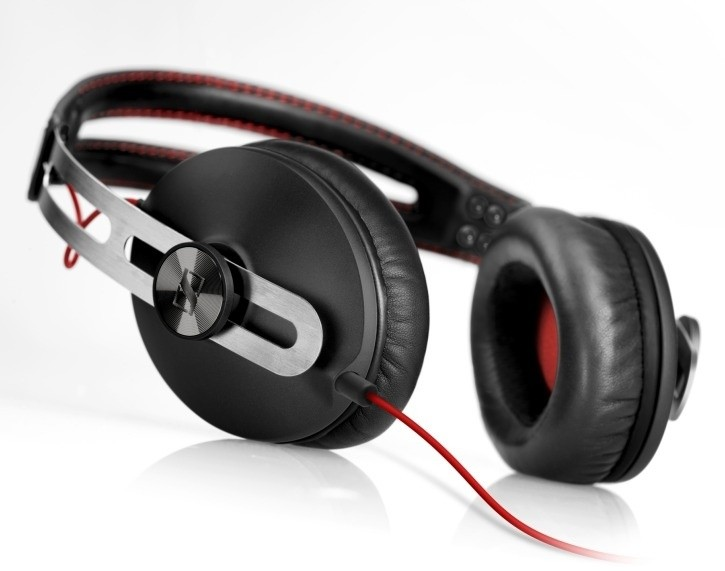 sennheiser_launches_the_momentum_black_headphones